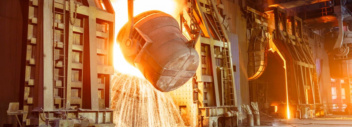 US steel production dips week over week